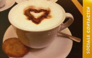 kaartje bij de koffie